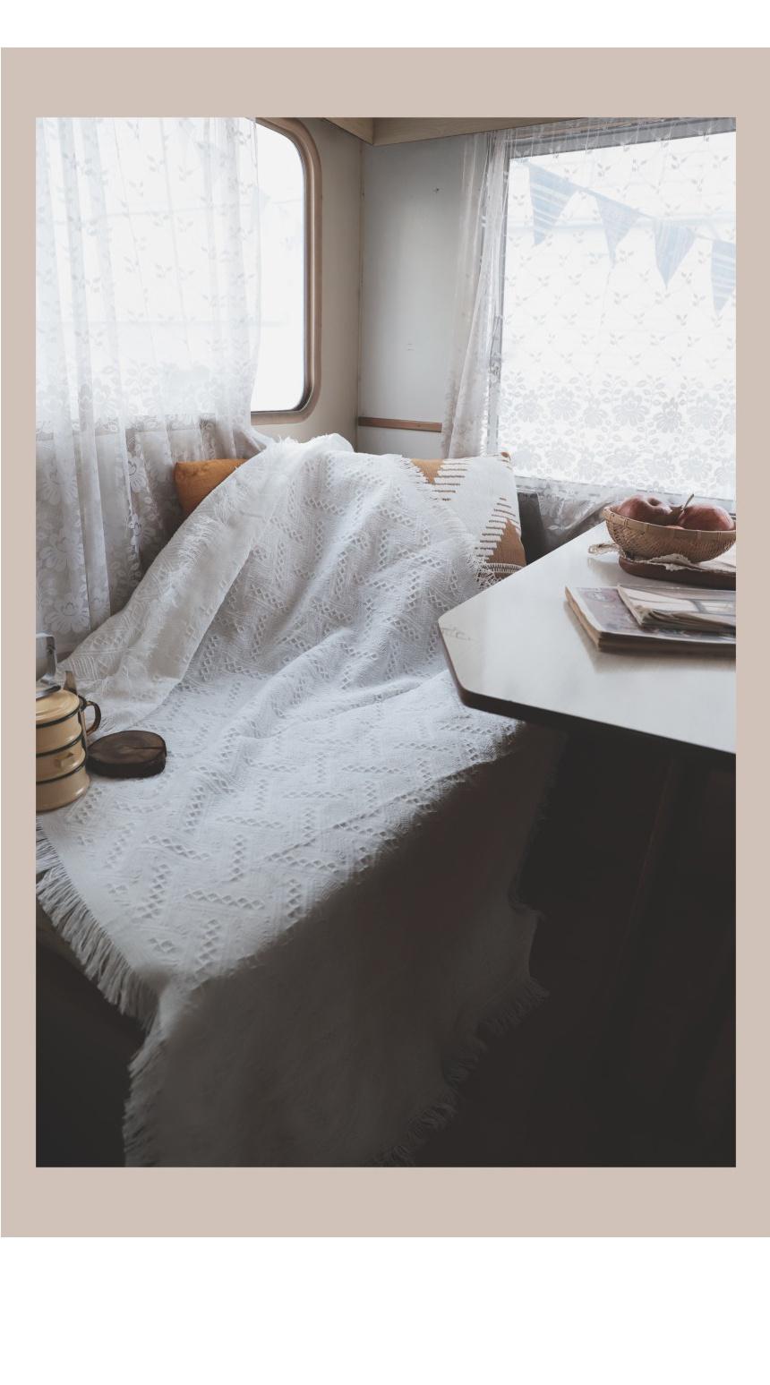 blanket_white_07.jpg