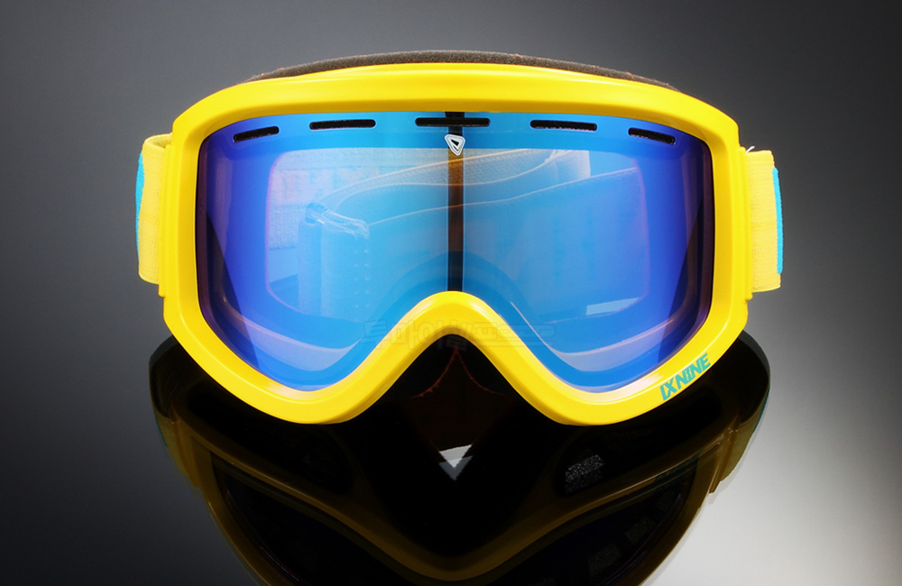 ix1_12_yellow_blue_d2.jpg