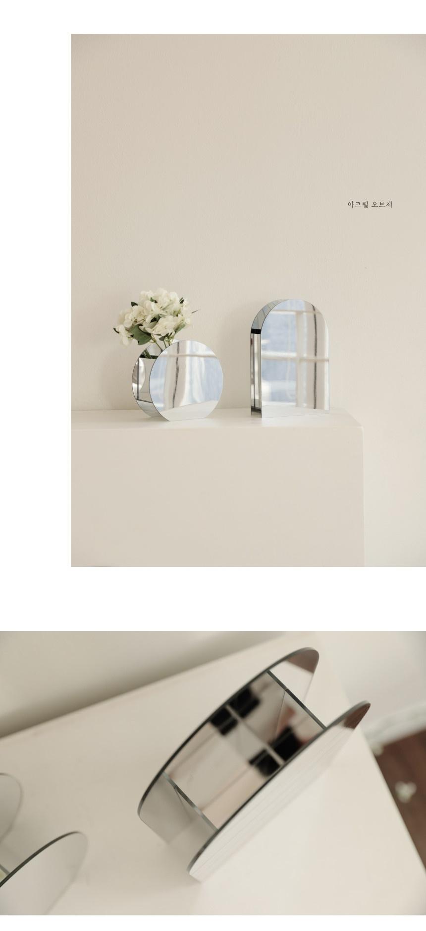 acrylic_mirror_vase_03.jpg